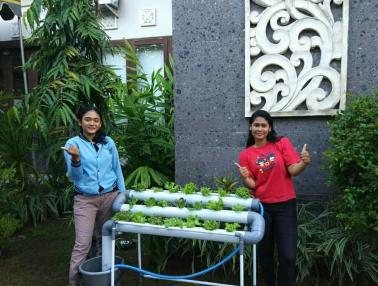 Dua Mahasiswi Udayana, Pemilik Pondok Tani Digital