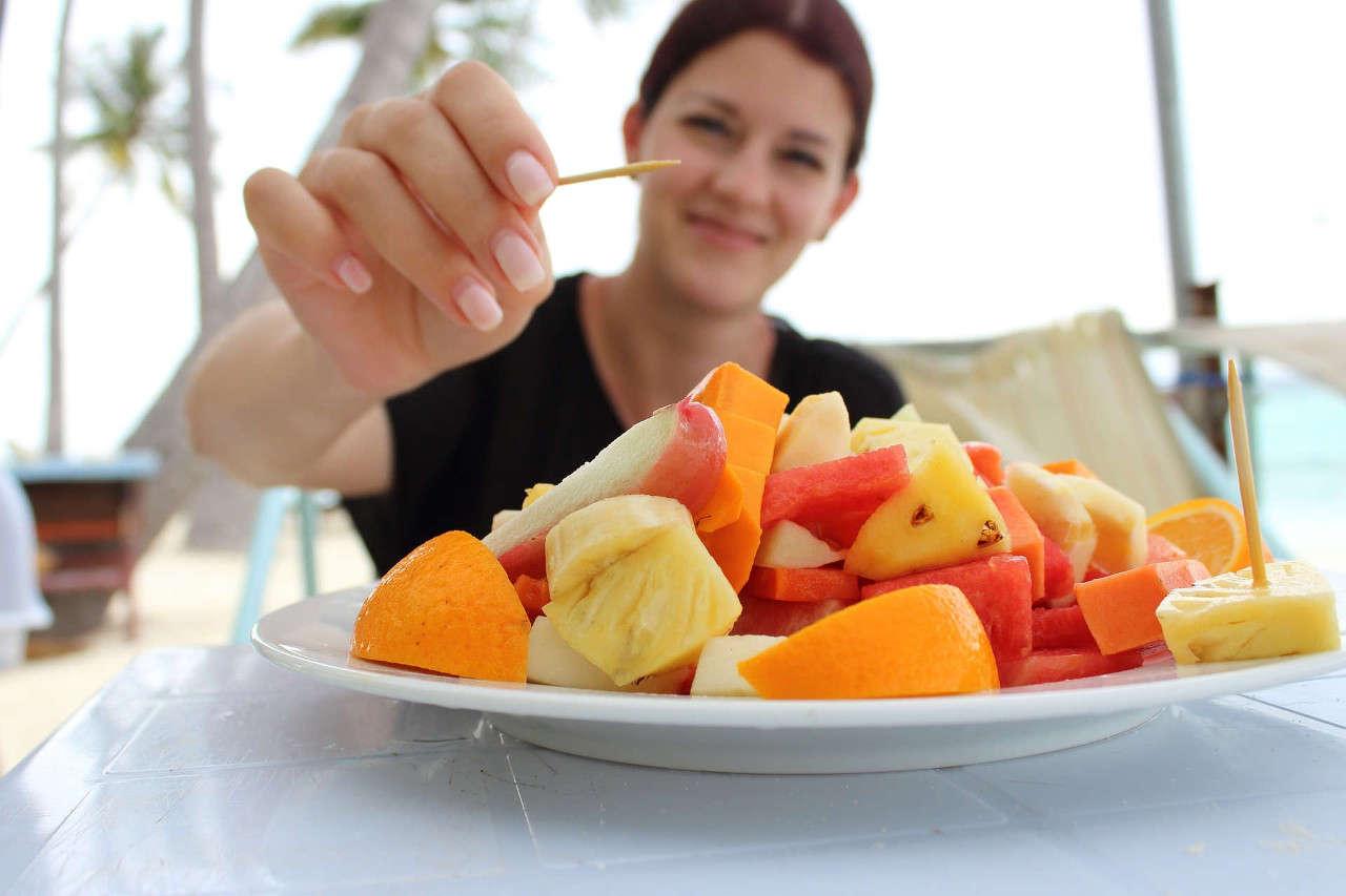 Apa Alasan Mencuci Buah dan Sayur Sebelum Dikonsumsi