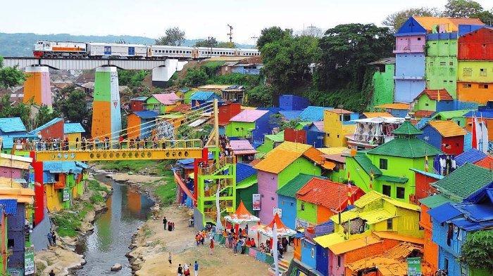Desa Wisata Kampung Warna Warni di Malang
