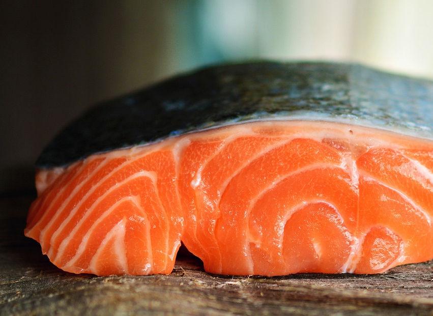 Ikan Salmon Segar, Ingat 4 Tips Ini untuk Memilihnya