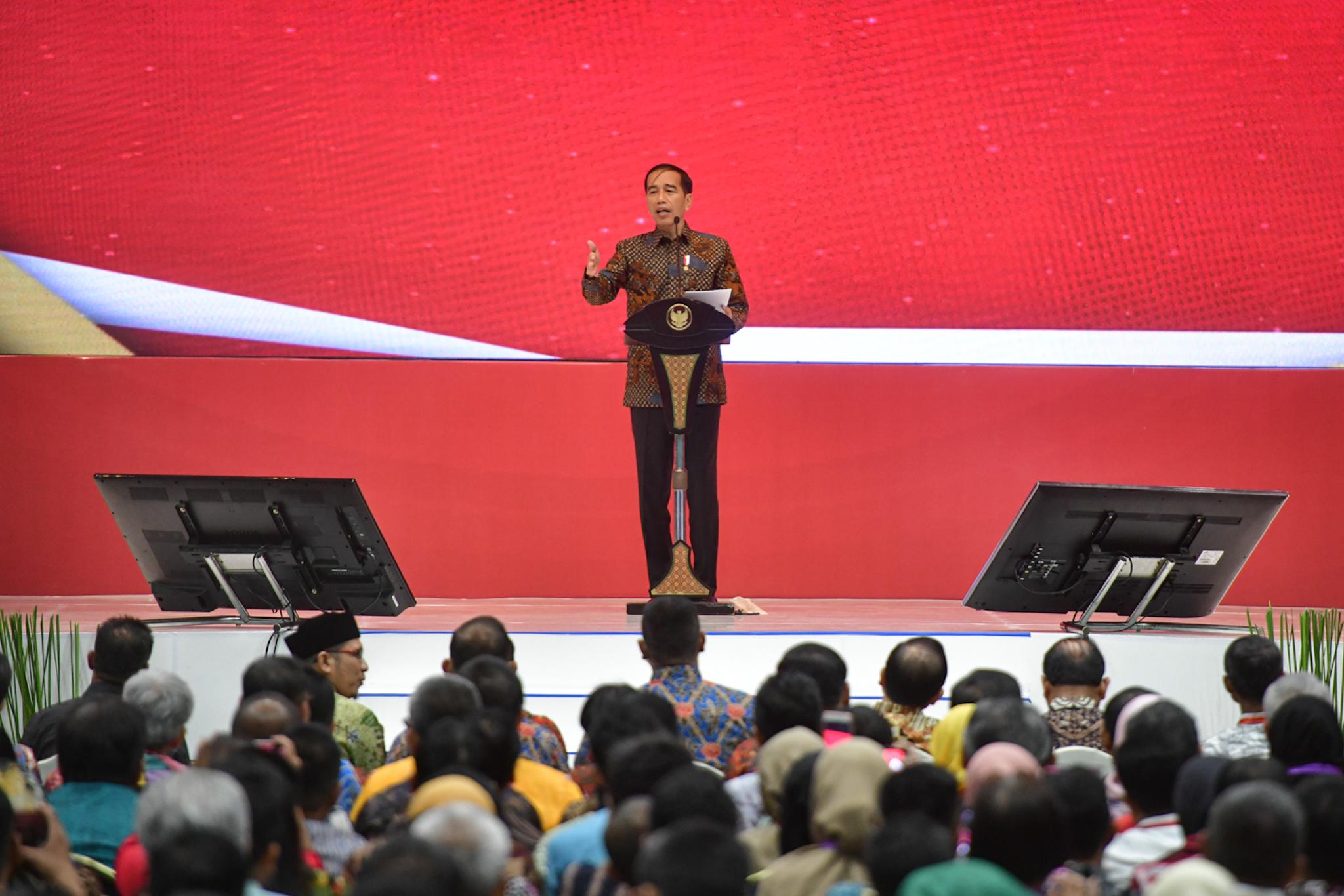 Jokowi di LKPP